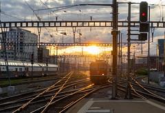 Re 420: Finally in the sun (3/3) (jaeschol) Tags: bbc bahnhof eisenbahn elektrischelokomotive europa europe kontinent lokomotive re420 re420134 saas sbb slm schweiz suisse switzerland transport zürichhb chemindefer railroad railway