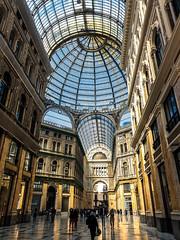 Napoli (4) (kingu_y) Tags: napoli naples italy italian europe travel flickr photo shopping walkway dome samsung s9 phone smartphone
