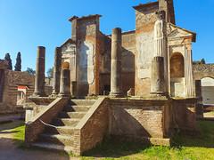 Pompeii (3) (kingu_y) Tags: napoli naples italy italian europe travel flickr photo pompeii ruins volcano vesuvius archaeology samsung s9 phone smartphone