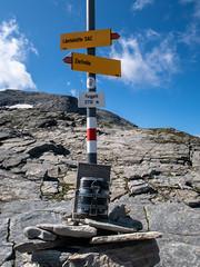 Am Sattel (sMäc) Tags: wandern zervreilahorn hiking valsertal berge mountains furggelti zervreila vals alpen
