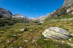 Felsensandwich (sMäc) Tags: wandern zervreilahorn hiking valsertal berge oberbutz mountains zervreila vals alpen