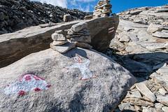 Teufels Wegweiser (sMäc) Tags: wandern hiking valsertal berge zervreilahorn mountains zervreila vals alpen