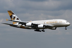 A6-APD Etihad Airways Airbus A380-861 at London Heathrow Airport on 3 August 2019 (Zone 49 Photography) Tags: aircraft airliner aeroplane august 2019 london england egll lhr heathrow airport ey etd etihad airways airbus 380 a380 388 a388 861 a6apd