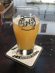 XQZ U NEIPA - Twinpanzee Brewing Company - Sterling, Virginia - Loudoun County (_BuBBy_) Tags: xqz u neipa twinpanzee brewing company new england india pale ale ipa ne beer glass taproom brewery gym reward sterling virginia loudoun county