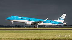 PH-EZD Embraer ERJ-190STD - KLM Cityhopper (Peter Beljaards) Tags: phezd embraer embraer190 klmcityhopper landing pianokeys 18r polderbaan runway18r ams eham nikond5500 schiphol amsterdam msn19000279 gecf34 aircraft nikon70300mmf4556 takeoff departure aviationphotography haarlemmermeer