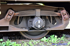 Suspension on a freight car (OttmarLaux) Tags: db diebahn federung blattfedern güterwagen federblatt instandsetzung deutschebahn