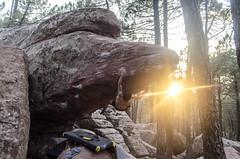 Javi Varano (Sinkaaa) Tags: albarracín teruel boulder escalada bosque naturaleza landscape paisaje piedra climbing photography sinkaaa luz sol noche verano summer sun night light