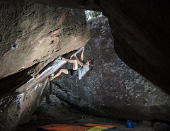 Javi Gorilaz (Sinkaaa) Tags: albarracín teruel boulder escalada bosque naturaleza landscape paisaje piedra climbing photography sinkaaa luz sol noche verano summer sun night light