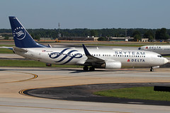 N3758Y - Skyteam (Delta) Boeing 737-800 (AndrewC75) Tags: airline airliner airport airplane aircraft aviation atl atlanta hartsfield jackson international boeing skyteam delta 737800 b738 b737800 737 b737 special livery twin jet