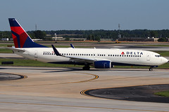 N376DA - Delta Boeing 737-800 (AndrewC75) Tags: airline airliner airport airplane aircraft aviation atl atlanta hartsfield jackson international boeing delta 737800 b737800 b737 737 twin jet