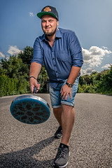 Stockschießen (w.lichtmagie) Tags: porträt personen speedbox curling weitwinkel amerikanischenacht strobist canonefs1022 strobistinfo