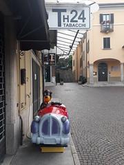 Not Dortmund (heleconia) Tags: fotografie farbbild farbfotografie horizontal unterwegs italien italia baveno street