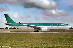 AER LINGUS A330 EI-DUB (Adrian.Kissane) Tags: jet plane airliner airline aircraft airbus aeroplane aviation ireland irish runway airplane grass sky outdoors 762009 55 a330 eidub dublinairport dublin aerlingus