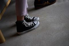 Converse (Christophe-la) Tags: kyoto kansai 京都 関西 photography street streetphotography waiting enattente enattendant feet pied leg shoe converse japanese woman teen japan