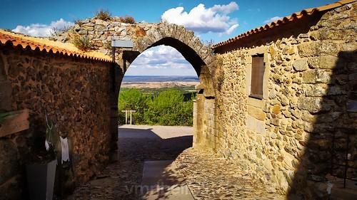 Porta Nascente da muralha de Castelo Rodrigo