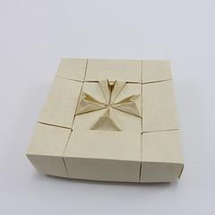 Box with Maltese Cross I (Michał Kosmulski) Tags: origami paperfolding papiroflexia paperart handmade box tessellation maltesecross heraldry art michałkosmulski elephanthidepaper
