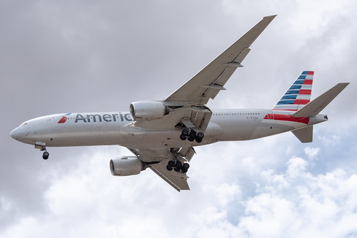 American Airlines Boeing 777-200ER; N779AN@OGG;16.08.2019