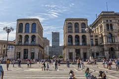 Al fondo Sisal Wincity con la terraza Martini (lebeauserge.es) Tags: plaza italia ciudad edificio duomo milano milán