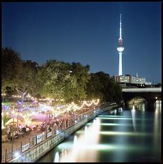 * (Konrad Winkler) Tags: berlin mitte fernsehturm spree museumsinsel tanz fest sommer himmel stadt langzeitbelichtung kodakportra160 mittelformat 6x6 hasselblad503cx epsonv800