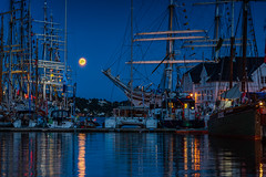 IMGP9552-Edit (jarle.kvam) Tags: arendal arendelle sailships arendalsuka2019 pollen sea fullmoon moon sky cityscape norway sørlandet ship harbour nightshot