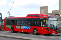 LJ16 NNG, Waterloo Bridge, May 28th 2019 (Southsea_Matt) Tags: lj16nng see3 route521 goahead alexanderdennis adl enviro200 e200 mmc waterloobridge greaterlondon england unitedkingdom canon 80d sigma 1850mm may 2019 spring bus omnibus vehicle transport