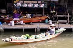 Long-Tail Boats (Anne Marie Clarke) Tags: canals khlong floatingmarket damnoensaduak sampans longtailboats thailand producemarket largestrawhats ngob water commerce