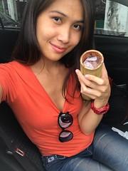 having a snack (ChalidaTour) Tags: thailand thai asia asian girl femme fils chica nina teen twen cute sweet petite slender slim car portrait snack sticky rice bamboo og250