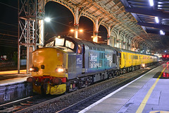 37218 1Q83 Preston (2) (British Rail 1980s and 1990s) Tags: ee englishelectric br britishrail type3 growler tractor 37 class37 loco locomotive wcml westcoastmainline preston station night drs directrailservices networkrail rtc testtrain 1q83 37218 37259 locohauled train rail railroad railway lmr londonmidlandregion mainline lancs lancashire livery liveried traction