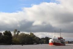 El Tigre (Ce Rey) Tags: paisaje riverscape river eltigre argentina barco ship nubes nublado clouds cloudy