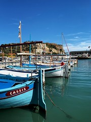 As it says on the hulls (marc.barrot) Tags: bateaudepêche méditerranée mediterranean sea shotoniphone landscape fishingboat france provence bouchesdurhône 13 cassis cassisharbour portdecassis