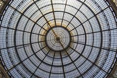 Cúpula de la Galería de Milán (lebeauserge.es) Tags: arquitectura italia interior edificio galeria ciudad cielo cristal cúpula milano milán