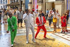 Amor por Italia a borbotones (lebeauserge.es) Tags: italia interior edificio galeria ciudad colores bailar milano milán