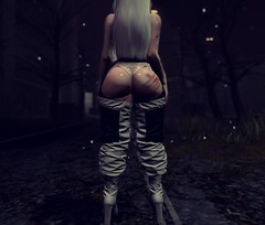 You should see it from the back (Ghoulina Waffle) Tags: sl secondlife virtualworlds digitalart virtualart virtualphotography digitalphotography booty datasstho shopping blogging events c88 collabor88 groupgift truth maitreya enfersombre twc thewhitecrow evie exploration simdesign rpsim cocoon blackdragon rivendale anaposes