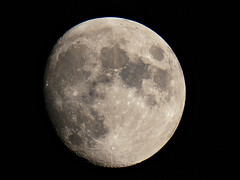 93% Waxing Gibbous Moon (Jonathan Demery) Tags: moon lunar moonscape gibbous ioptron astrophotography altair astro 102ed refractor