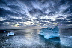 The Diamond's Factory (Rui Baptista Photography) Tags: jokusarlon iceland diamondbeach diamond beach gkacier iceberg vatnajokull glacierlagoon lagoon sunrise goldenhour seascape landscape