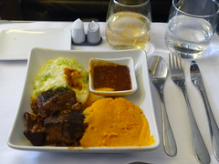 201908056 AA107 LHR-JFK dinner (taigatrommelchen) Tags: 20190831 flyingmeals airplane inflight meal food dinner business aal americanairlines aa107 b777300er n726an lhrjfk