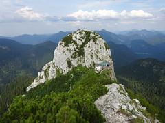 Tegernseer Hütte & Buchstein (bookhouse boy) Tags: 2019 19juli2019 berge mountains alpen alps bayerischevoralpen rosstein tegernseertal kreuth tegernseerhütte sonnbergalm altweibersteig