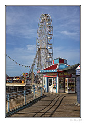 Ferris Wheel (Seven_Wishes) Tags: blackpool lancashire 2019 outdoor photoborder canoneos5dmarkiv canonef24105mmf4lisii bythesea blackpoolcentralpier bigwheel ferriswheel pier fair amusments stalls winter bluesky seaside newcastleupontyne tyneandwear uk views5k