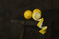 Lemmons (.MARTINE.) Tags: martine nikond800 citroenen lemmons still stilleven geel yellow zuur sour fris fresh nikonsb910speedlight softbox strobist