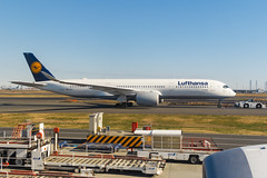 Lufthansa A350-941 D-AIXA 001 (A.S. Kevin N.V.M.M. Chung) Tags: aviation aircraft aeroplane airport airlines apron plane spotting hnd tokyo taxiway taxiing lufthansa airbus a350 a350900xwb