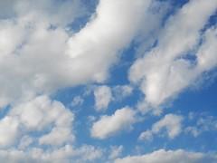 Simply blue (giòvanna) Tags: cielo sky nuvole azzurro bianco clouds