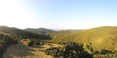 Panorama - ouvrir pour balayer (marcobierbar66) Tags: aspres pyrénées orientales occitanie église stecolombe vert vallons vallées valleys green trees mountains hills france drone panorama aerial view parrot anafi sunset coucherdesoleil