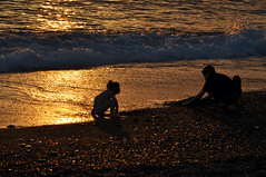 Young gold miners / Юные золотодобытчики (SerenitySS) Tags: sea sunset shore beach waves children people monochrome spring may silhouette beautiful wonderful greatshot excellent fav20 amazing great
