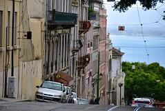 Portugal- Lisbona (venturidonatella) Tags: europa portogallo portugal lisbona lisbon lisboa citta city street strada streetlife streetscene streetphotography auto car cars automobile discesa salita colori colors nikon nikond500 d500