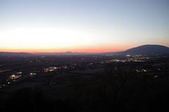 Umbria p.m. (Area Bridges) Tags: 2019 201908 20190810 august trevi view umbria sunset dusk