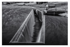 Roundhill Reservoir (Alan-Taylor) Tags: roundhill reservoir roundreservoir monochrome blackandwhite yorkshire