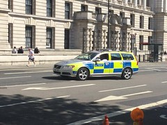 6463 - MET POL - BX61 YBY - 33031286 (2) (Call the Cops 999) Tags: metropolitan police met metpol volvo v70 rpu road roads policing unit constabulary law and order enforcement bx61 yby central london sunday 12 may 2018 999 112 101