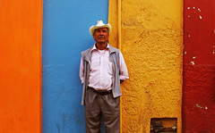 Retrato arcoíris (Harry Szpilmann) Tags: oaxaca people portrait multicolor arcoíris rainbow mexico mexique streetphotography