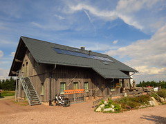 Hütte (germancute) Tags: outdoor nature thuringia thüringen landscape landschaft wildflower wald wiese wolken park plant pflanze berge mountains schneekopf