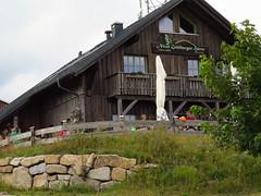 Hütte am Schneekopf (germancute) Tags: outdoor nature thuringia thüringen landscape landschaft wildflower wald wiese wolken park plant pflanze berge mountains schneekopf